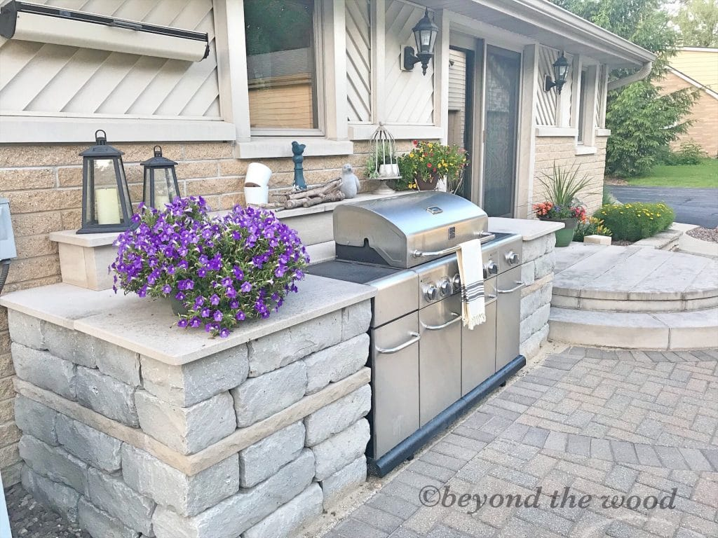 outdoor grill surround with lannon stone