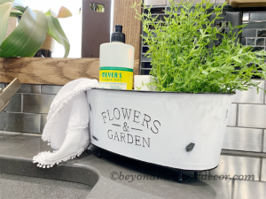 DIY Bathtub Caddy or Planter